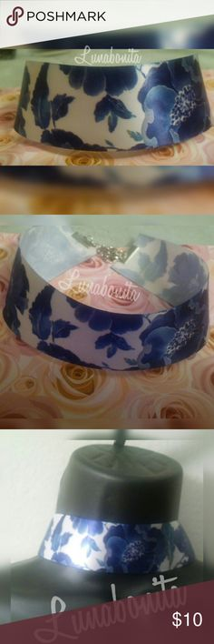 """Blue flower chocker Price is firm Handmade Beautiful blue flower 100% polyester ribbon Size 13"""" plus extension New Unused Jewelry Necklaces"""