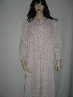 Sears Jr Bazaar Robe by 2nuttygirlz on Etsy, $29.00