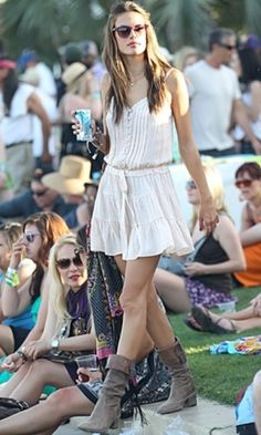 Music festival style and boho chic outfit inspiration.