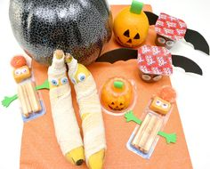 Your kids will love these fun Halloween snacks in their lunch boxes at school. They are super easy to make and will bring a smile to any child's face!