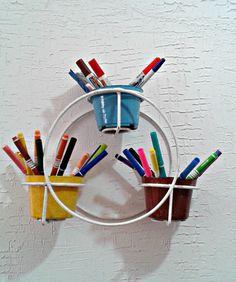 Organizando pincéis e canetas de tecido