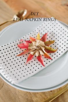DIY leaf napkin ring | Read more - http://www.100layercake.com/blog/2013/12/17/diy-leaf-napkin-ring-idea/