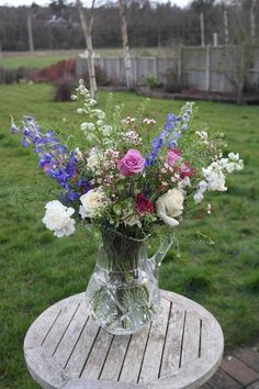LOVE the natural style of this for a table centrepiece. Great in a clear glass jug or vase... Crystal if possible