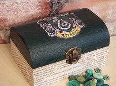 FREE POSTAGE Harry Potter inspired Slytherin trinket