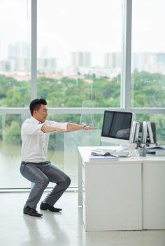 Ejercítate en la oficina con estas rutinas. Lee más en La Bioguía.
