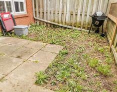 DIY Recycling Centre - A beginner build Diy Fence, Fence Art, Backyard Fences, Backyard Landscaping, Fence Ideas, Above Ground Pool Ladders, Privacy Planter, Diy Plant Stand, Plant Stands