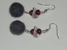 Orecchini con pallina di lana cotta grigia