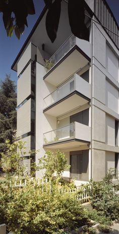 Two Floor Addition In Existing Building In Papagou / Nelly Marda