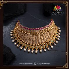 Don't Miss These Royal Looking Necklace Designs!! • South India Jewels Antic Jewellery, Indian Gold Jewellery Design, Antique Jewellery Designs, Temple Jewellery, Jewelry Design, Platinum Jewelry, Gold Jewelry, Gold Necklace, Necklace Designs