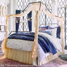 Bring the magic of Hogwarts into your room with Pottery Barn Teen's Harry Potter bedding, and home decor. Shop the Harry Potter Collection for bedding, decor, room accessories and more. Queen Bedding Sets, Luxury Bedding Sets, Comforter Sets, King Comforter, Bedroom Themes, Diy Bedroom Decor, Home Decor, Bedroom Ideas, Glam Bedroom