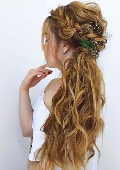 44 Best Undone Half Up Braids for Long Hair in 2018. Discover the collection of coolest half up half down undone braids for long hair in 2018. This undone braid is one of the ways that woman can use to sport to show off the length of their hair looks. You can say this is also one of the easiest hair styles for ladies of different age groups. You should visit here to copy these amazing styles of braids in 2018.