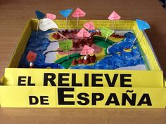 EL PROFESOR ISMAEL: RELIEVE DE ESPAÑA CON PLASTILINA Sistema Solar, Social Science, Fourth Grade, Teaching English, Social Studies, Arts And Crafts, Teacher, Education, Projects