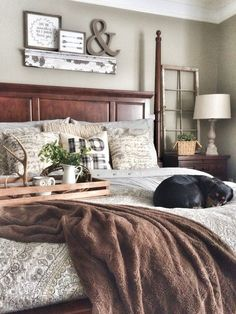 Rustic Farmhouse Bedroom Decorating Ideas To Transform Your Bedroom (24) Rustic Grey Bedroom, White And Brown Bedroom, Brown Bedroom Decor, Sage Green Bedroom, Rustic Bedrooms, Grey And Brown Living Room, Farmhouse Bedrooms, Brown Home Decor, Home Decor Bedroom