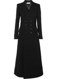 C'est la tocade de la saison : de l'allongé-élancé conjugué au masculin-féminin. En bref, des manteaux extra longs qui vont faire votre hiver...
