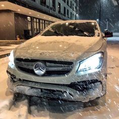 Image about white in Luxury 💎 by вєαυтуℓυχ on We Heart It Mercedes Benz, Daimler Ag, G Wagon, Car Ins, Luxury Cars, We Heart It, Vehicles, Classic, Image