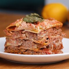 Vegan Lasagna - Vegan and Vegetarian - Lebensmittel Vegan Foods, Vegan Dishes, Vegan Vegetarian, Vegetarian Recipes, Paleo, Healthy Recipes, Vegetarian Sandwiches, Vegan Recipes Videos, Going Vegetarian