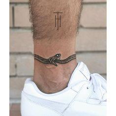 Polynesian Sleeve Tattoo, Arm Sleeve Tattoos, Leg Tattoo Men, Tattoo Sleeve Designs, Tattoo Designs Men, Man Hand Tattoo, Cross Tattoo Designs, Cool Small Tattoos, Small Tattoos For Guys