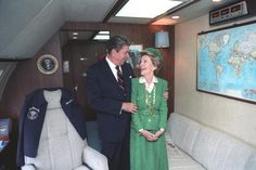 """""""I could not possibly imagine life without her."""" President Ronald and Nancy Reagan aboard Air Force One. Presidents Wives, American Presidents, Nancy Reagan, President Ronald Reagan, Air Force Ones, Republican Party, Role Models, Donald Trump, Like4like"""