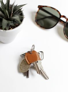 DIY Leather Key Cover via The Merrythought