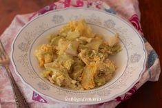 Revuelto de calabacines con pollo y dados de queso