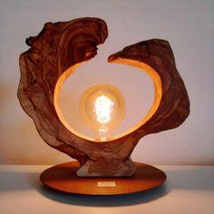 Rustic Log Furniture, Driftwood Furniture, Driftwood Lamp, Diy Outdoor Furniture, Diy Furniture Plans, Wood Resin Table, Table Lamp Wood, Wood Lamps, Handmade Lamps