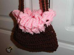 Baby bassinet purse closed