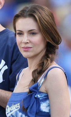 Alyssa Milano's chic, headband hairstyle, alyssa milano hairstyles ...