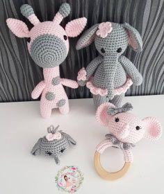 Best 12 Amigurumi Elephant Giraffe – Page 612419249304528643 Diy Crochet Toys, Crochet Amigurumi, Crochet Gifts, Amigurumi Doll, Crochet Dolls, Crochet Projects, Free Crochet, Crochet Bear Patterns, Crochet Animals