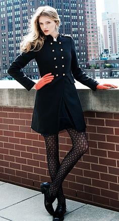 I love this! I'd probably do a different color glove and vertically striped tights... but still.. I love this.