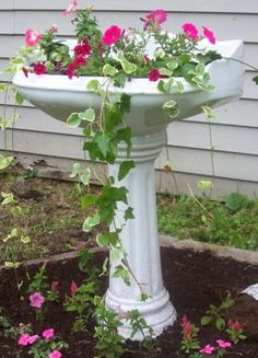 Old Vanity Sink with Flowers - just ADORE-able  ************************************************ (repin) - #upcycle #sink #planter (upcycle + planter boards)