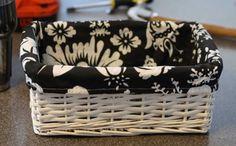 Cómo hacer el forro interior de un canasto http://www.lasmanualidades.com/2011/04/18/como-hacer-el-forro-interior-de-un-canasto
