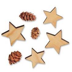 Stjerner og kogler Christmas Crafts, Christmas Decorations, Bracelets, Paper Art, Paper Envelopes, Noel, Diy Presents, Dekoration, Handmade Christmas Crafts