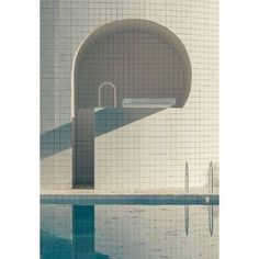 """The exhibition """"Domestic Pools"""" in Hyères, France, retraces the history of the architectural device from the 1920s until today. Photo Romain Laprade, piscine de Alain Capeillères. More in our website . . . #swimmingpool #architecture #architecturelovers #piscines #geometry #light #water #mediterraneanarchitecture #lines #white #blu"""