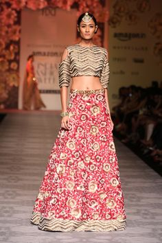 #AIFWSS16 #SiddharthaTytler #spring #summer #FashionWeek #Bridal #ensembles #sophisticated #wedding #refined #Indian #culture #traditional #intricate #precious #sequins #color #palette #subtle #beige #VintageRose #rustic #empowered #confident #glamorous #strong #chic #essence #young #fresh #experimental #ornate #details #lehenga
