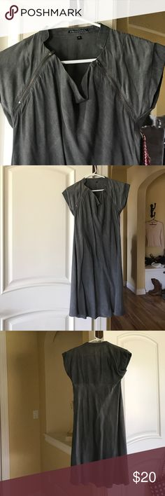 FreeSoul Dress🎩 FreeSoul Dress🎩. Two tone grey, zipper detail at shoulder, 100% viscose. Great preowned condition! freesoul Dresses