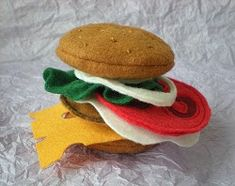 Felt Hamburger Tutorial --yes! finally. this is exactly what I was looking for!