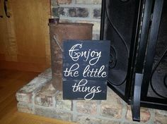 pallet signs, diy, home decor, painted furniture, pallet, repurposing upcycling, woodworking projects, Enjoy the little things pretty much says it all