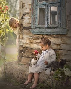 country kids and kittens - Landleben countrylife - Country Recipes Precious Children, Beautiful Children, Cute Kids, Cute Babies, Cute Pictures, Beautiful Pictures, Pictures Of People, Jolie Photo, Animals For Kids