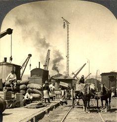 1897, faenas de carga en el puerto de Valparaíso