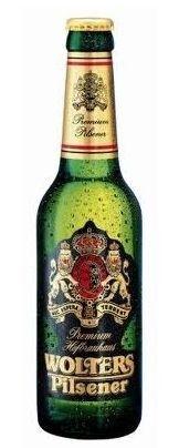 Cerveja Wolters Pilsener, estilo German Pilsner, produzida por Hofbrauhaus Wolters, Alemanha. 4.9% ABV de álcool.