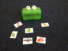 Initial sound game / CVC blending game and Freddie frog. Feed the frog all the 'b' pictures! Alternatively, get some tweezers and feed the frog plastic bugs for fine motor. Jolly Phonics Activities, Eyfs Activities, Literacy Games, Phonics Games, Preschool Literacy, Language Activities, Early Literacy, Phonics Blends, Reading Tutoring