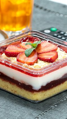 Dessert Boxes, Dessert Drinks, Dessert Recipes, Mini Desserts, Summer Desserts, Christmas Desserts, Fun Baking Recipes, Cooking Recipes, Tastemade Recipes