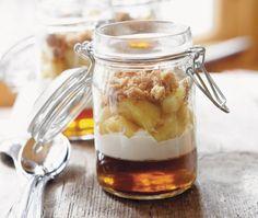 Ricardo Larrivée's Apple & Maple Verrine Recipe Individual Desserts, Mini Desserts, Easy Desserts, Delicious Desserts, Black Cherry Dessert Recipes, Ricardo Recipe, Dessert In A Jar, Quick Dessert, Apple Recipes