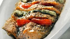 Maukas uunilohi | Uuniruoat | Yhteishyvä Seafood Dishes, Fish And Seafood, Food N, Food And Drink, Fish Food, Low Carb Recipes, Cooking Recipes, Finnish Recipes, My Cookbook