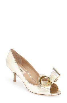 Oh, that bow! This gold Valentino pump is on the wish list.