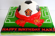 This is the cake to make for baby leo! Football Birthday Cake, Soccer Birthday Parties, 40th Birthday Cakes, Soccer Party, Birthday Ideas, Manchester United Birthday Cake, Manchester United Gifts, Gateau Iga, Football Cakes For Boys