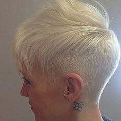 short+platinum+blonde+hairstyle