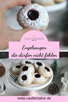 Diese zarten Mürbeteigplätzchen mit Marmelade namens Engelsaugen oder Husarenkrapfen sind bei meinen Kindern total geliebt. Das Rezept gibt es auf Castlemaker.de #engelsaugen #plätzchen #rezept #einfach #castlemaker Doughnut, Foodblogger, Desserts, German, Kuchen, Simple, Advent Season, Tailgate Desserts, Deutsch