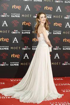 Silvia Abascal de Elie Saab nude y accesorios de Christian Louboutin (Goya 2016) - vestido fiesta