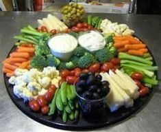 Want to impress your guests with fantastic party platters? Read on and gather some great ideas for party platters that are sure to WOW your guest. Party Platters, Veggie Platters, Party Trays, Veggie Tray, Food Platters, Cheese Platters, Vegetable Trays, Food Buffet, Vegetable Tray Display